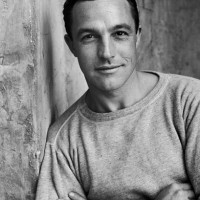 lm gene kelly 200x200 5 Minute de istorie vestimentara in cinematografie