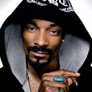 snoop dogg e1269547216806 Snoop Dogg feat. Mr Porter – My Own Way (Videoclip)