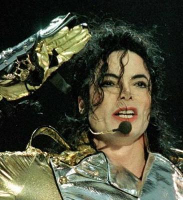 michael jackson Michael Jackson s a sinucis?