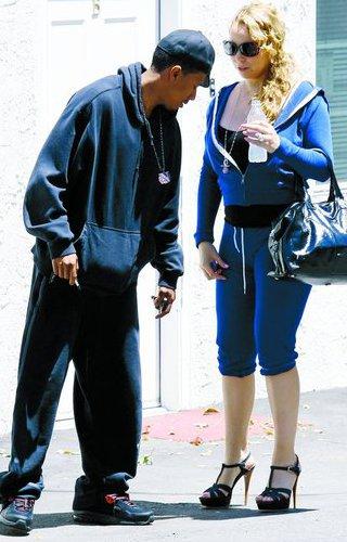281841 x mariah tocuri  jpg Mariah Carey merge pe tocuri la sala de fitness