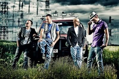 Trupa Zero a lansat videoclipul piesei So Far Away! www.vedetepenet.ro