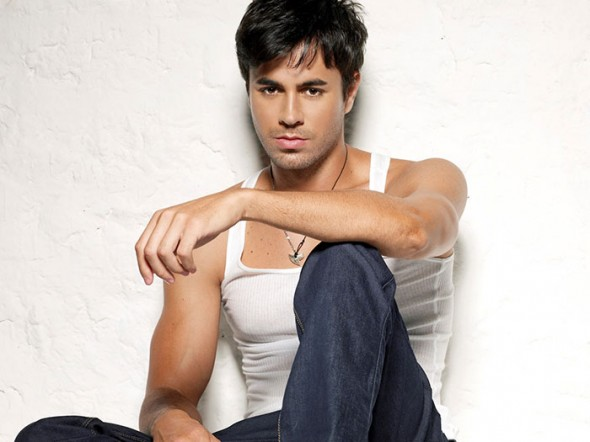 enrique iglesias 590x442 Enrique Iglesias feat Pitbull   I Like It