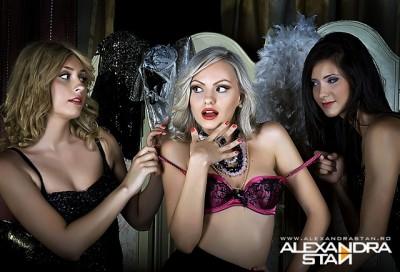 alexandra stan 400x272 Alexandra Stan   Mr. Saxobeat