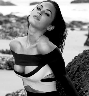 Megan Fox bomba sexy in alb negru www.vedetepenet.ro  372x400 Megan Fox   bomba sexy in alb negru