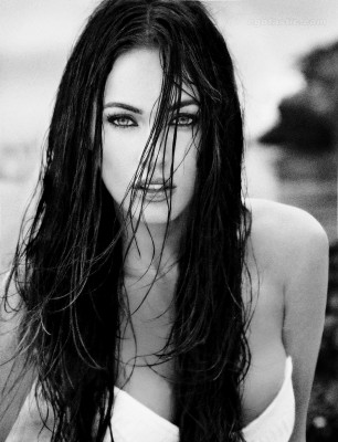 megan fox alexei hay photoshoot 07 306x400 Megan Fox   bomba sexy in alb negru