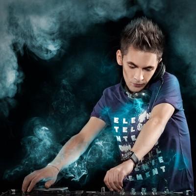 Single nou: David Deejay feat Dony - Fantasy (Besando)  www.vedetepenet.ro