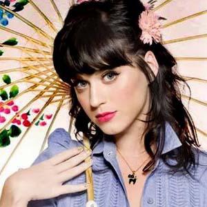 Katy Perry - E.T. (Teaser) www.vedetepenet.ro
