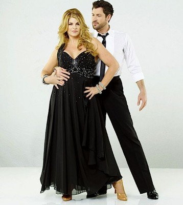 Kirstie Alley Dancing with the Stars 358x400 Kirstie Alley a făcut senzaţie pe ringul de dans la show ul american Dancing with the Stars