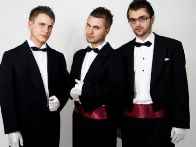 """Lovely Smile"" este nominalizată la Balkan Music Awards www.vedetepenet.ro"