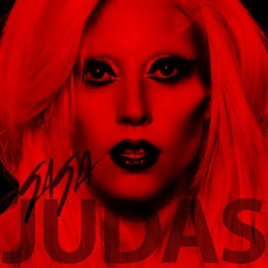 Lady Gaga este criticata de Biserica Catolica www.vedetepenet.ro