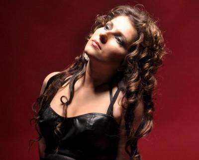Leticia - De 1000 de ori (Single nou) www.vedetepenet.ro