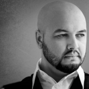 Mihai Budeanu, pe urmele Innei www.vedetepenet.ro