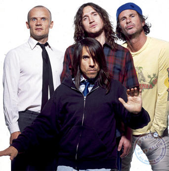 Red Hot Chili Peppers pregătesc un nou album www.vedetepenet.ro