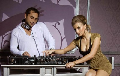rynnosylvia www.vedetepenet.ro  400x254 Dj Rynno & Sylvia   Feel In Love (Single nou)