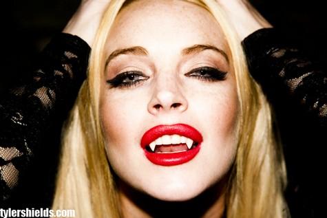 1 Lindsay Lohan şi Michael Trevino sunt vampiri (foto+video)