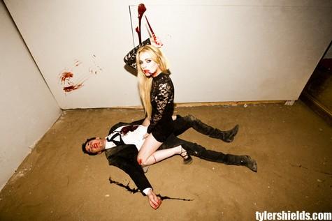 3 Lindsay Lohan şi Michael Trevino sunt vampiri (foto+video)