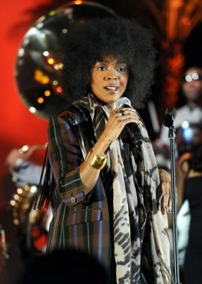 lauryn hill 2010 284x400 Lauryn Hill este însărcinată pentru a 6 a oară