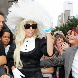 lady gaga Lady Gaga: Sunt căsătorită cu singurătatea