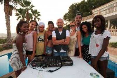 Teaser videoclip: Sasha Lopez feat Broono & Ale Blake - Weekend www.vedetepenet.ro