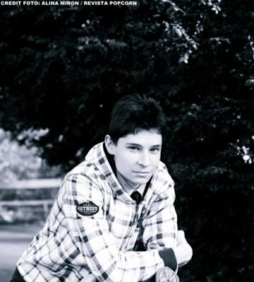 Piesă nouă: Alexander John - One Love & Two Hearts www.vedetepenet.ro