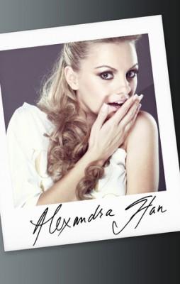 """alexandra stan www.vedetepenet.ro  254x400 Alexandra Stan susţine campania """"Din inimă pentru copii"""""""