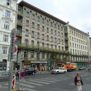catinca viena1 Catinca Roman fascinată de parada gay din Viena