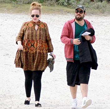 adele iubit simon konecki www.vedetepenet.ro  Adele vrea o pauză de 5 ani.