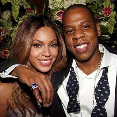 beyonce jayz.www .vedetepenet.ro  Cum își răsfață Beyonce si Jay Z fetița.