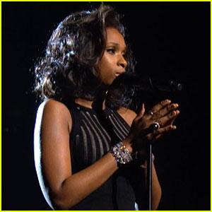 jennifer hudson whitney houston tribut grammy 2012 www.vedetepenet.ro  Jennifer Hudson   I Will Always Love You (Live @ Grammy Awards)