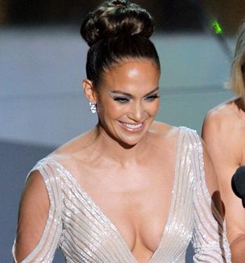 jennifer lopez probleme rochie oscar www.vedetepenet.ro  Cele mai interesante 5 momente ale Oscarurilor de anul acesta!