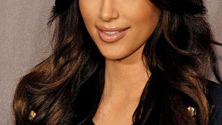 La multi ani, Kim Kardashian! vedetepenet.ro