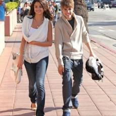 Selena Gomez si justin bieber despartiti vedetepenet.ro