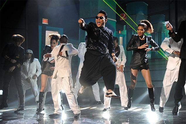 psy american music awards mc hammer vedetepenetr