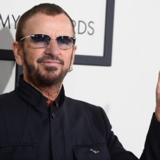 music grammy awards 2014 30 ringo starr 230x230 Ringo Starr, fost membru The Beatles, a fost inclus ca artist solo în Rock and Roll Hall of Fame