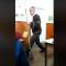 Imagini Un profesor din Suceava a alergat dupa un elev cu mopul prin clasa VIDEO